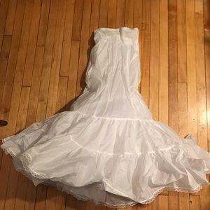 David's Bridal Wedding Dress Slip Size 4